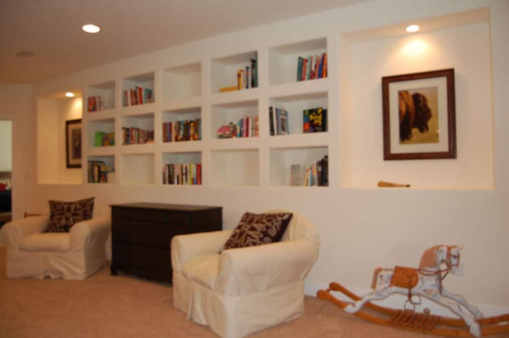 simple-white-basement-28
